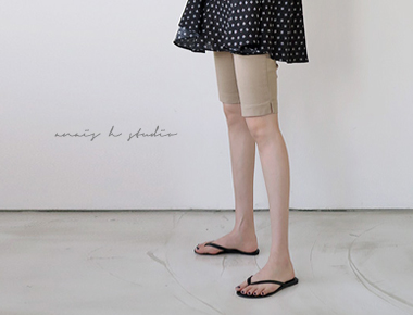 梅兰妮第5部分 - 新裤子看起来漂亮,修身