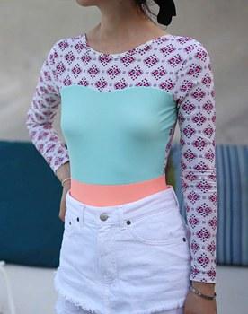 Print mint match color rash guard