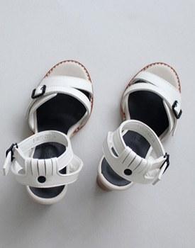 Mono sandals
