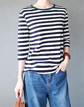 Neckline point stripe tee - 2c