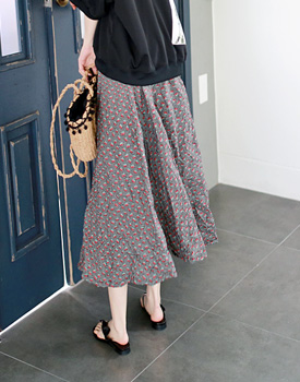 Cherry flare skirt