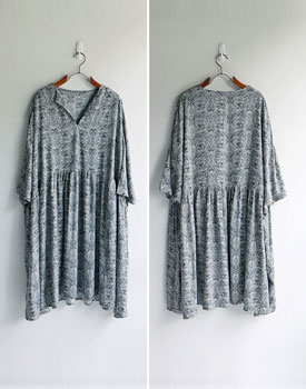 Over shirring print onepiece