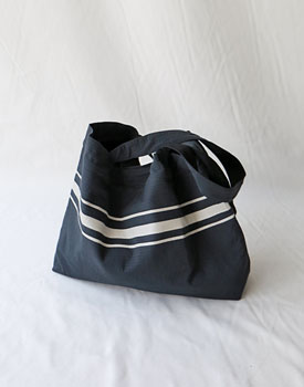 Double fabric line print bag - 2c